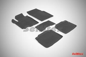 Резиновый коврик Seintex с бортиком для Suzuki SX4 II 2013-